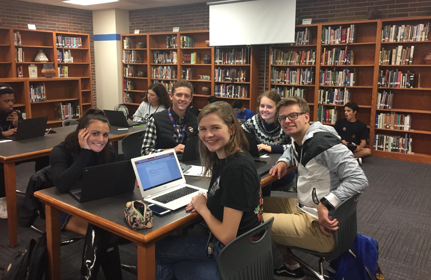 (L to R) Peytie Mickells, Turner Linafelter, Elizabeth Jurich, Will Bounds, and Veronica Chapman participate in Apply2College Day. This special event was held last Tuesday for seniors to get help in the college planning process.